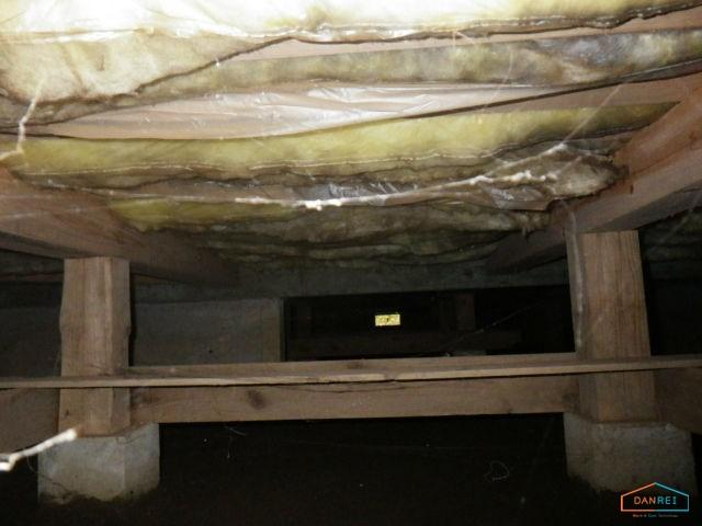八街研修所の床下