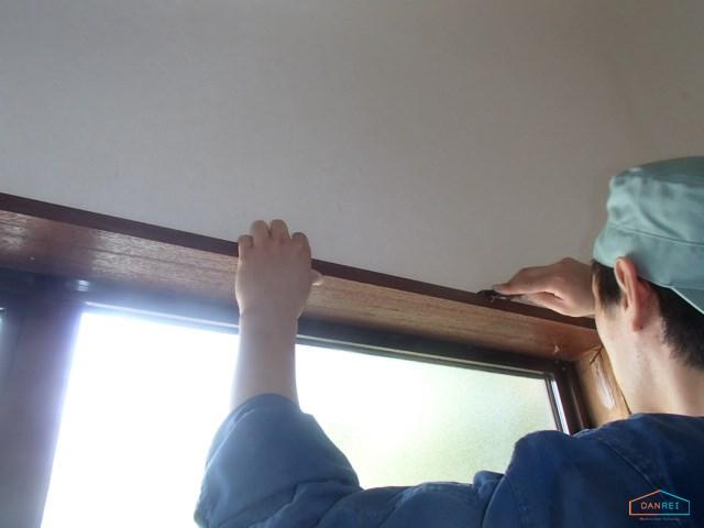 窓取り付け