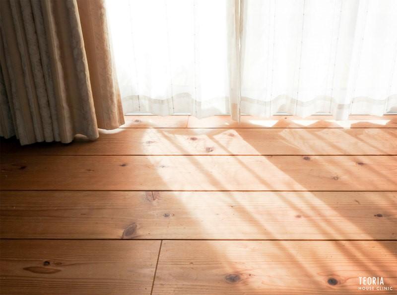 カーテンと太陽光