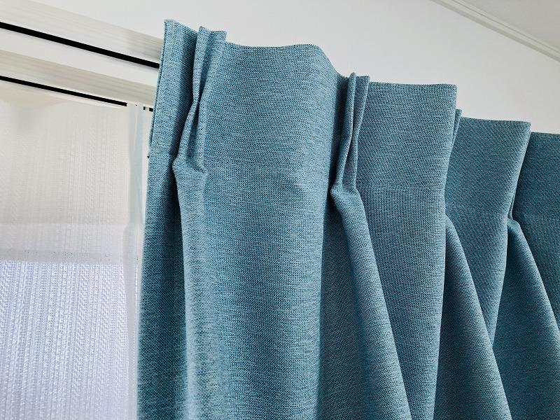 厚手のカーテン